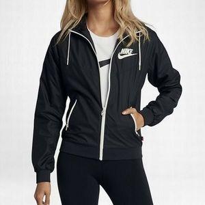 Women's Nike Windrunnner Jacket